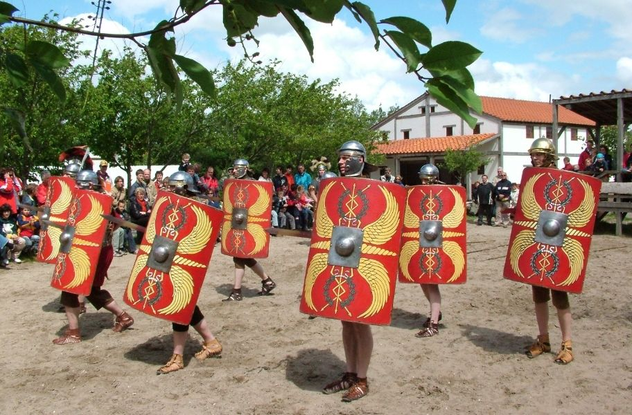 Visit Archeon with the Tourist Day Ticket